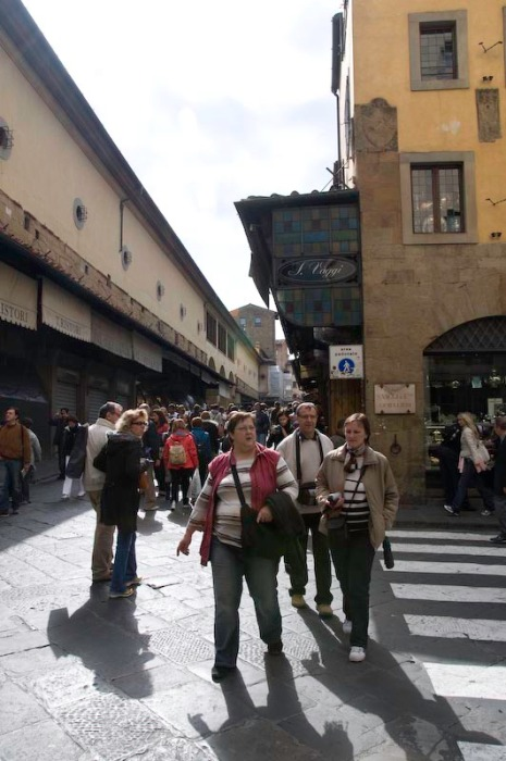 """The """"Unwashed Masses"""" on the Ponte Vecchio"""